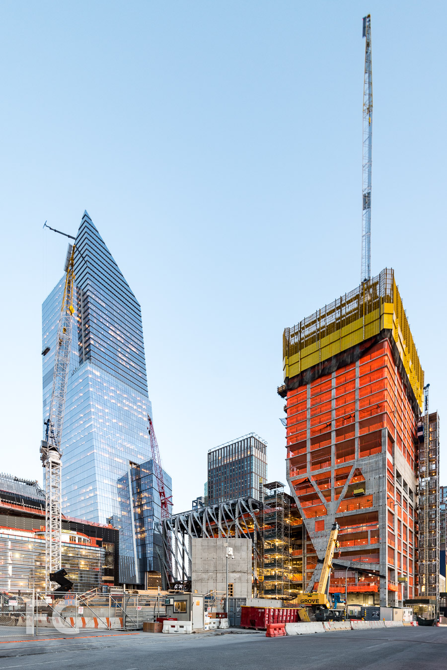 View of 10 Hudson Yards (left), the Shed (center), and 15 Hudson Yards (right) from 11th Avenue.