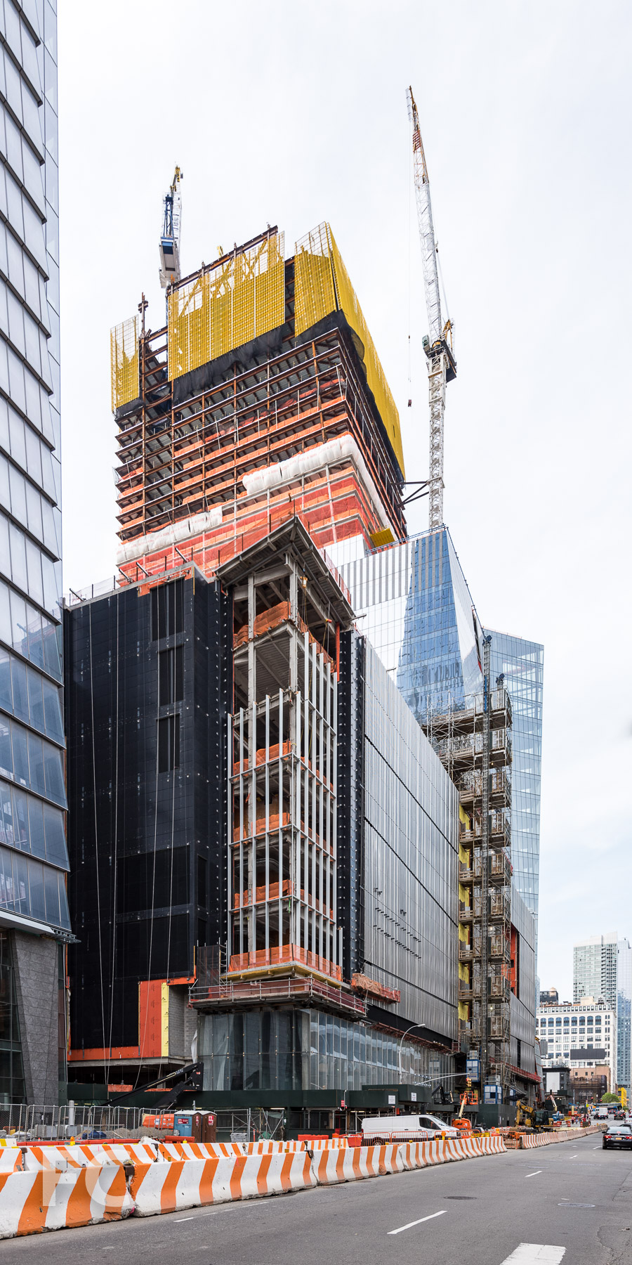 Southeast corner of the retail podium and 30 Hudson Yards.