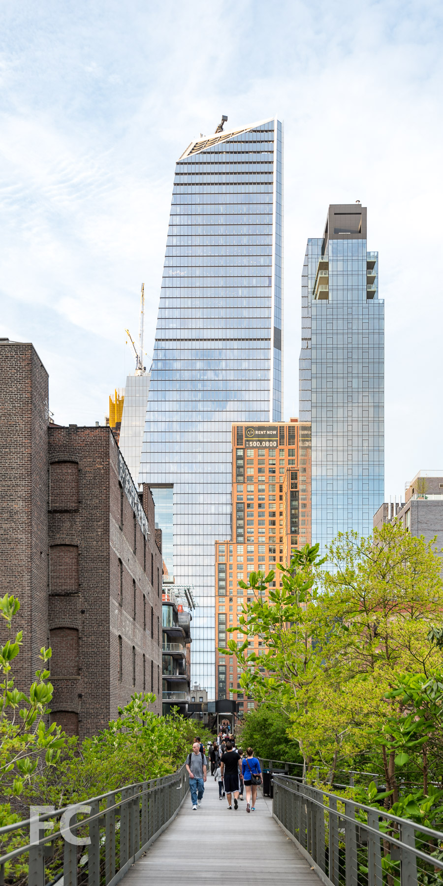 South facade of 10 Hudson Yards from the High Line.