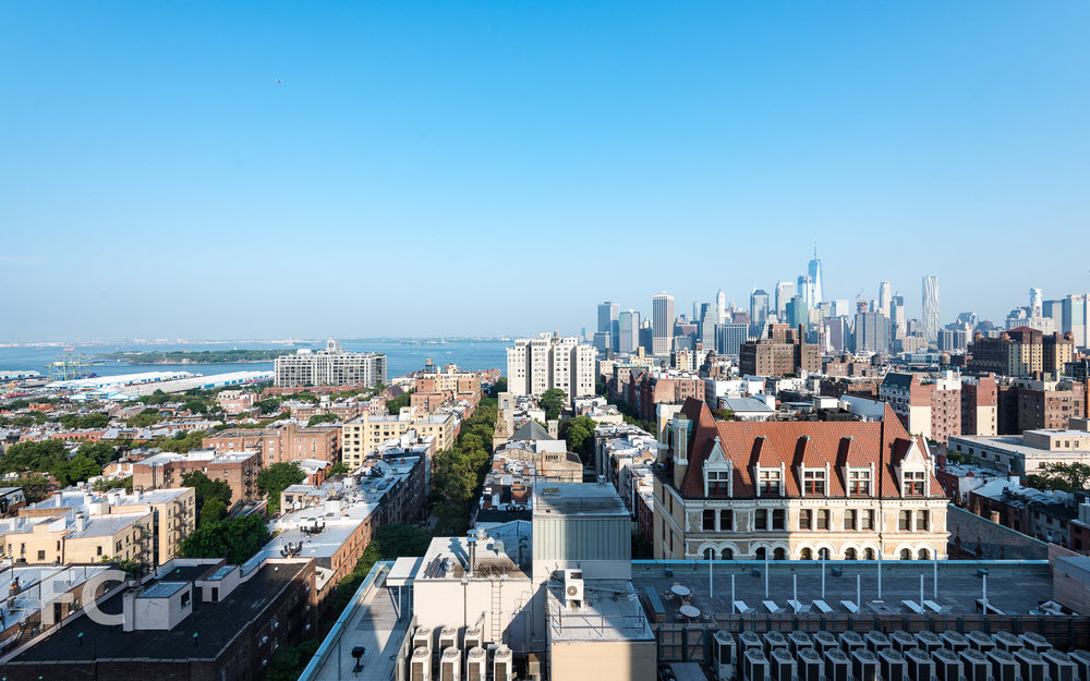 View northwest from the rooftop terrace towards Brooklyn Heights and Lower Manhattan.