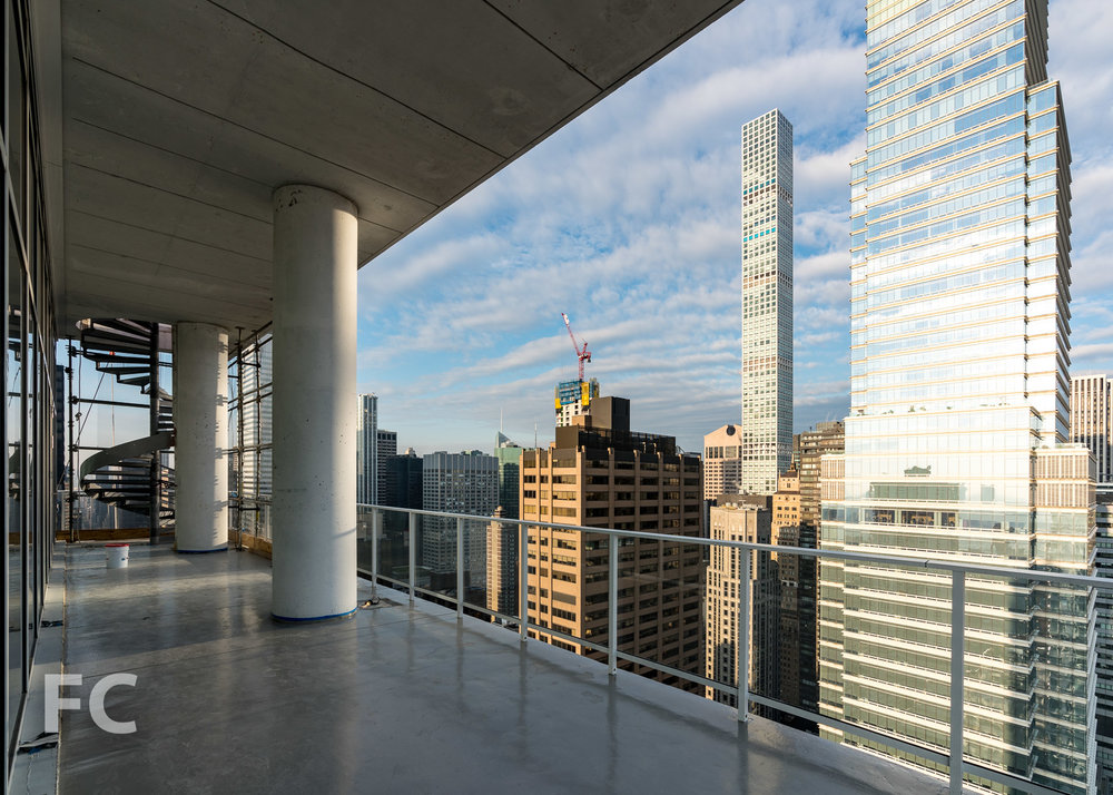 Penthouse terrace at the west facade.