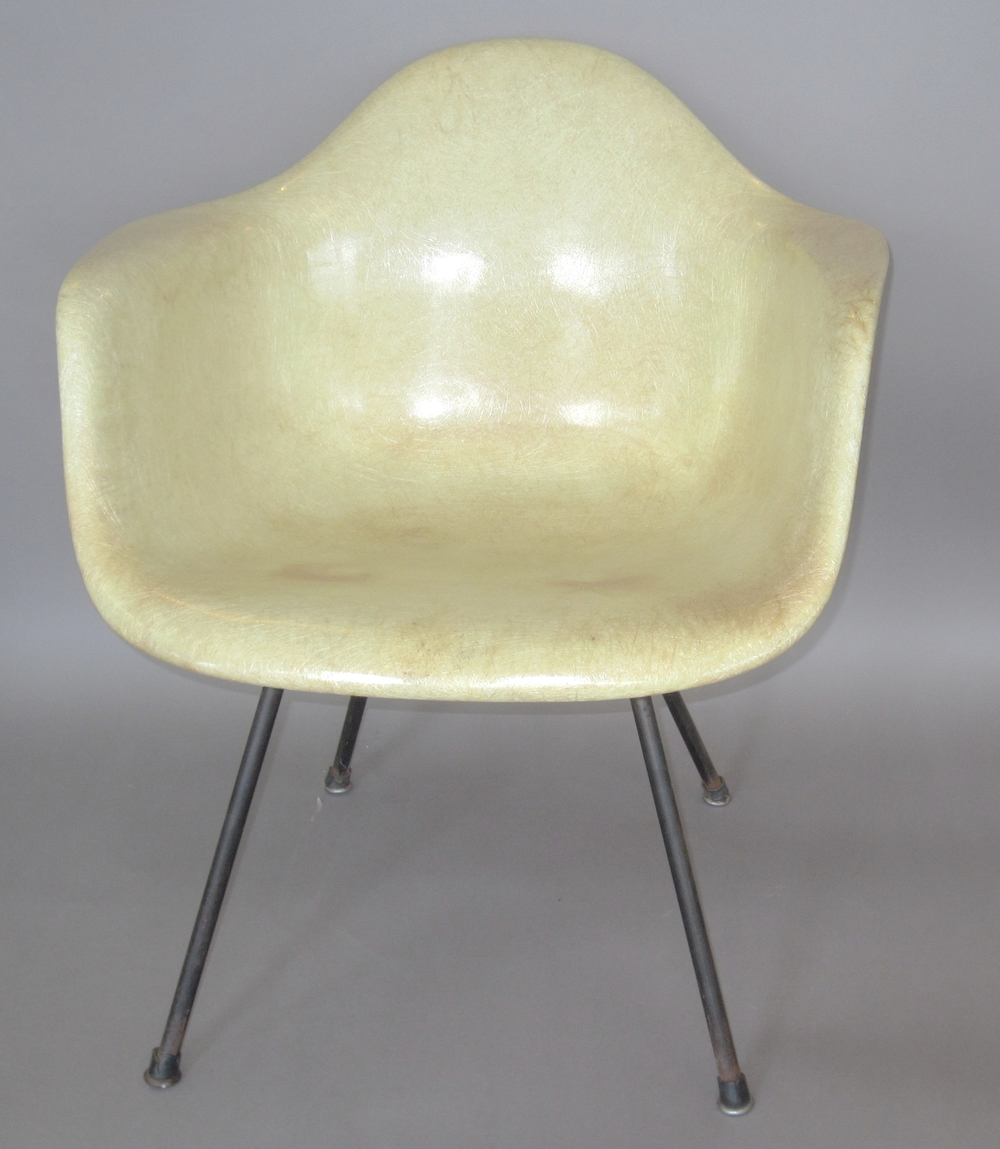 Exceptionnel Charles Eames Zenith DAX Arm Shell Chair