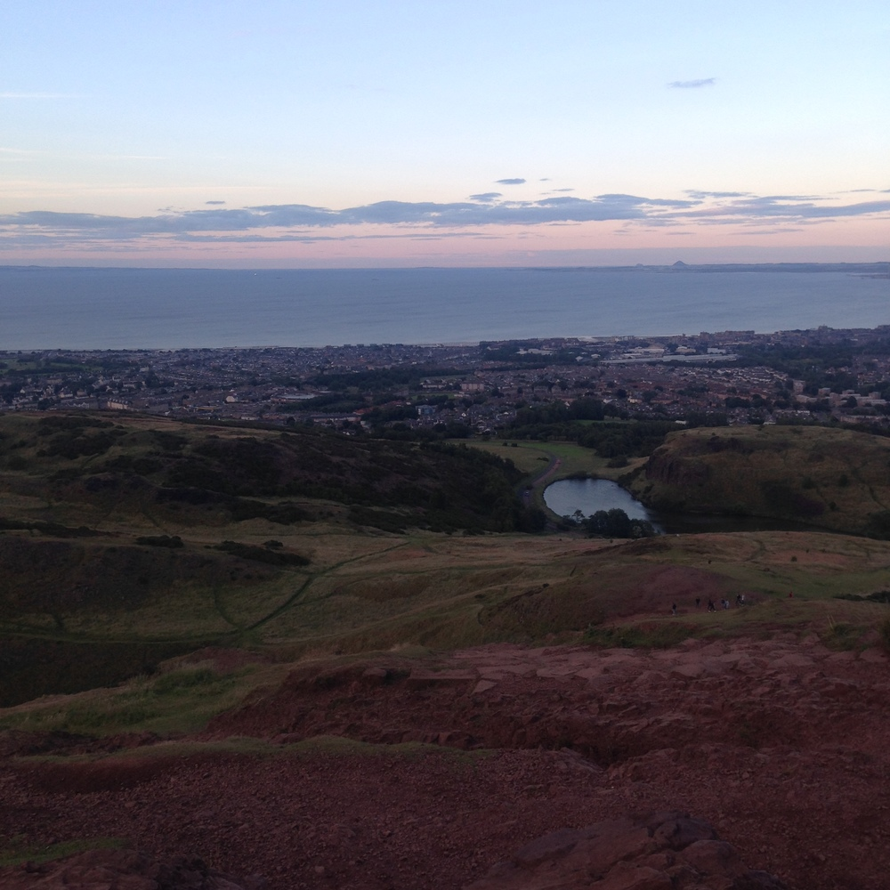 one of my fave views in the entire world: sunset from arthurs seat.