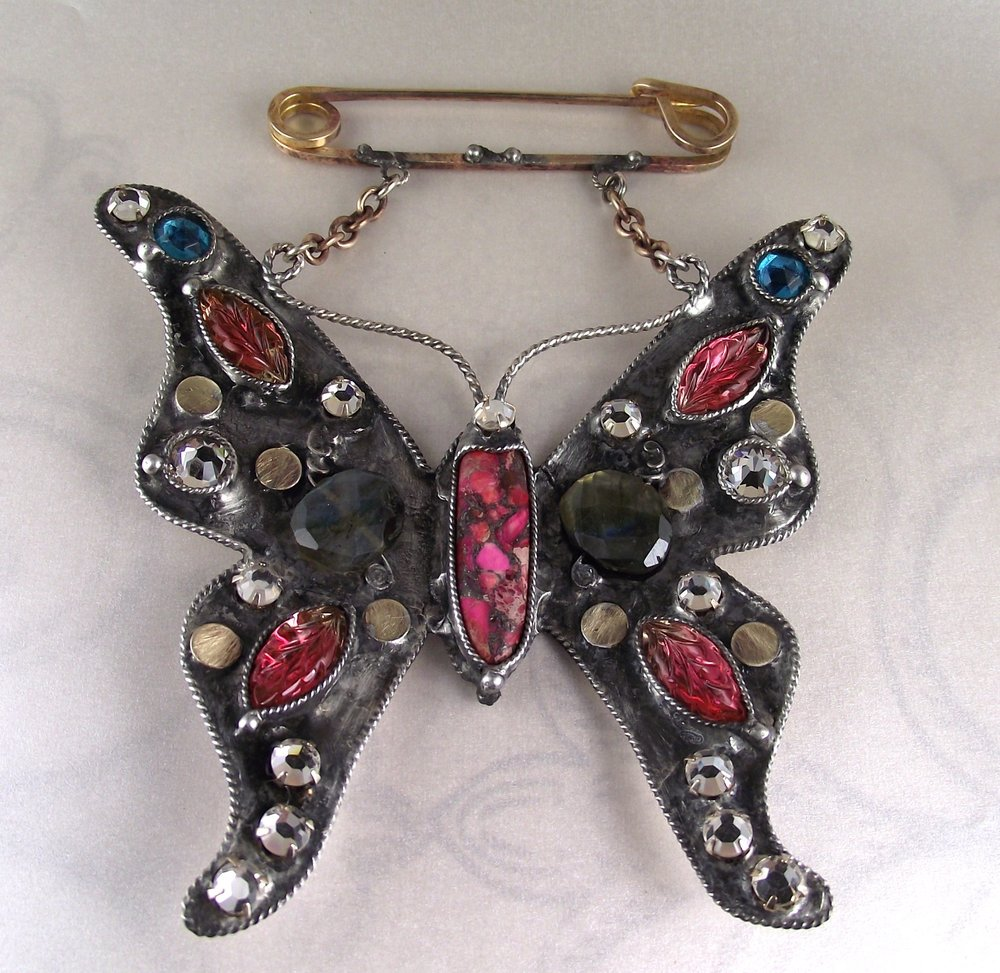 PAVANNE JEWELRY. Lorelei Greene. MOTH ON A PINK MOON .WEB.jpg