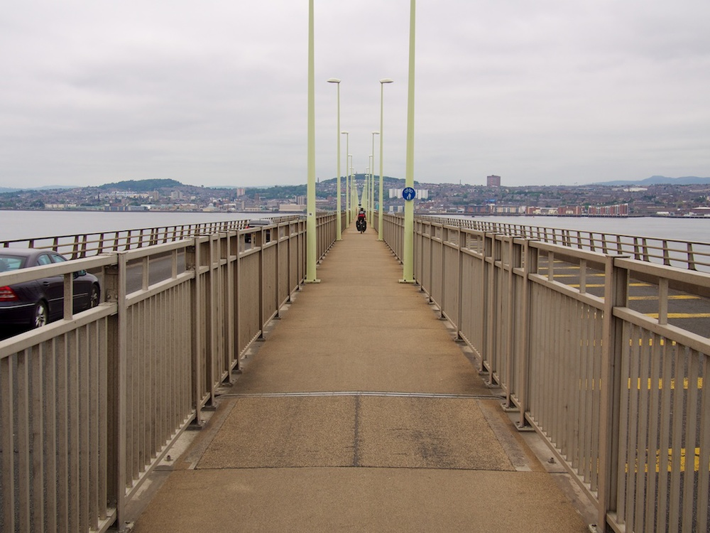 Crossing the long bridge into Dundee