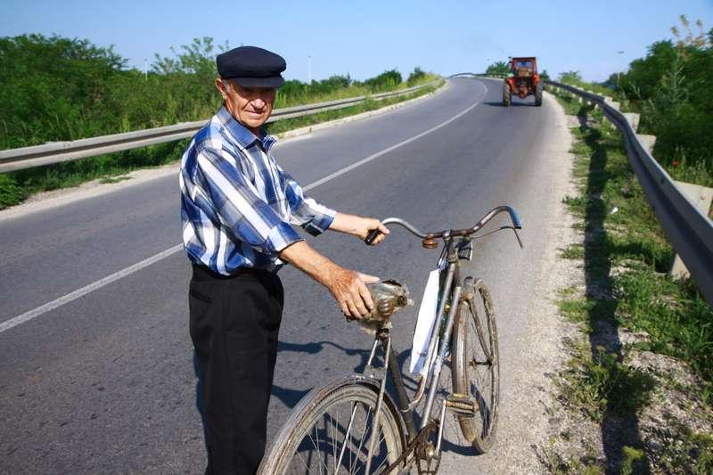 A fellow cyclist
