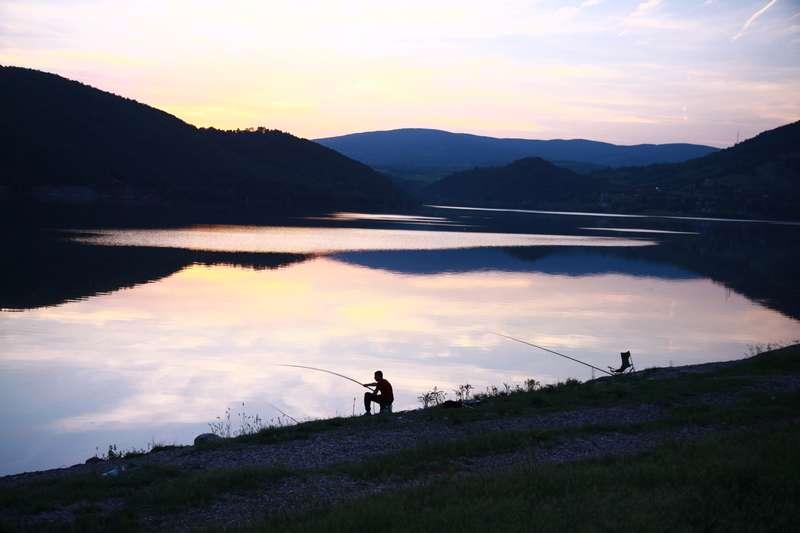 Bovan lake at sunset