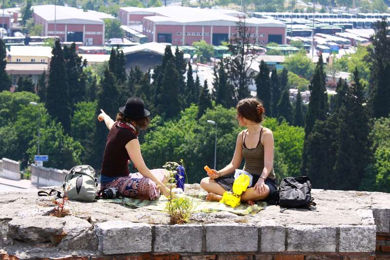 Picnic on the old city wall.