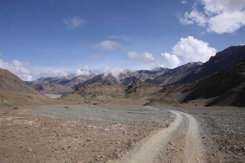 Road to Chandra Tal lake