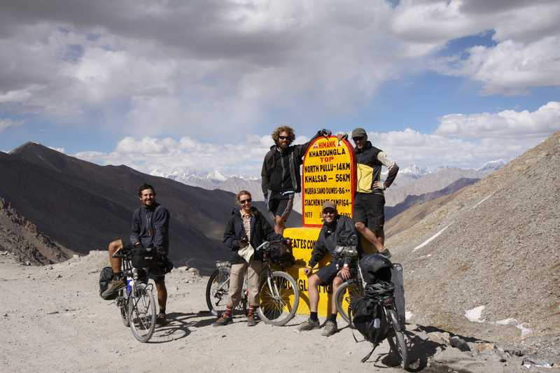 The final team for the Manali to Leh Highway at the top of Kardung La.