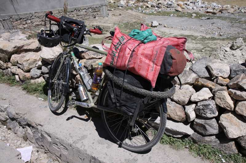 Packing 15kg or more extra food for the trek back to the Manali to Leh Highway.