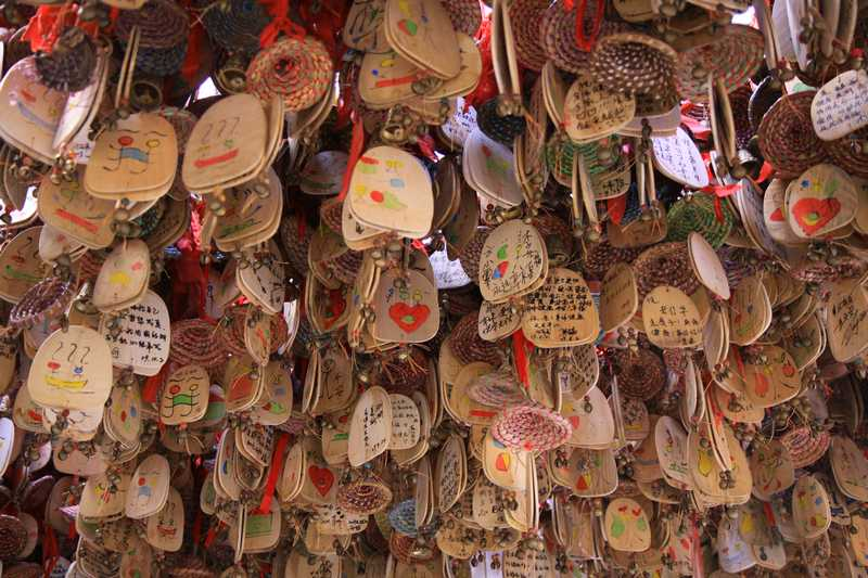 Wind chimes for sale in Lijang.