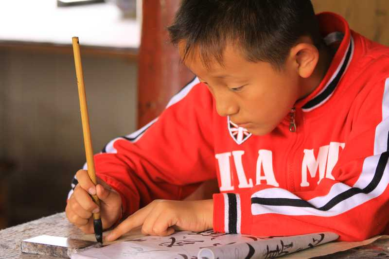 Learning an ancient art in Lijang.