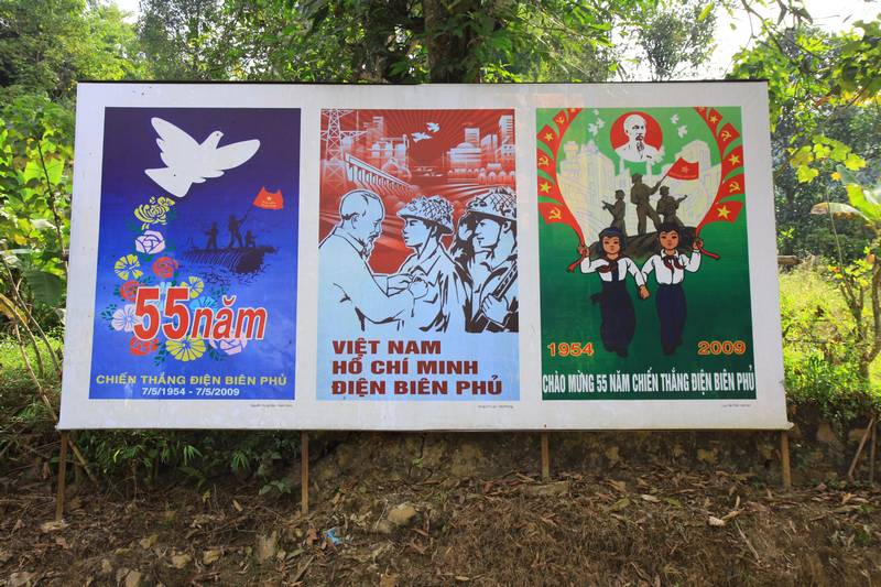 Independace posters by the road.