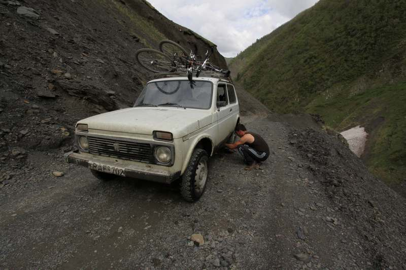 Getting back to the top of the pass by Lada. A ride with these is not possible without a flat tire.
