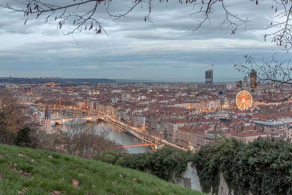 Vue sur Lyon depuis le jardin des curiosité de Fourvière. Lyon.© Sébastien Borda