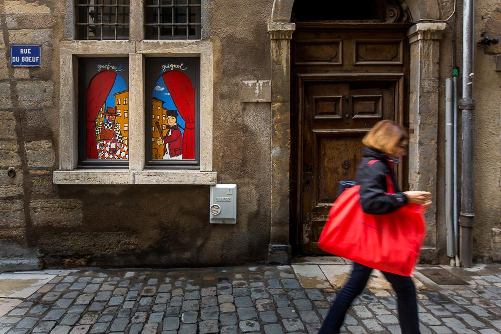 Peinture murale Guignol rue du boeuf dans le quartier du vieux Lyon. © Sébastien Borda
