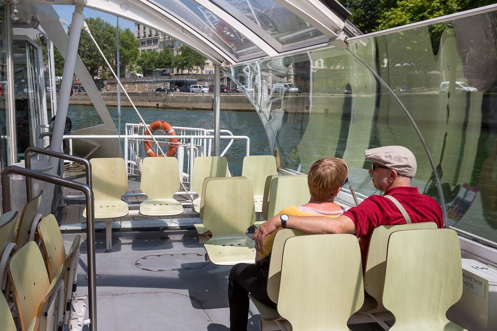 Scène de vie à l'intérieur du bateau. © Sébastien Borda