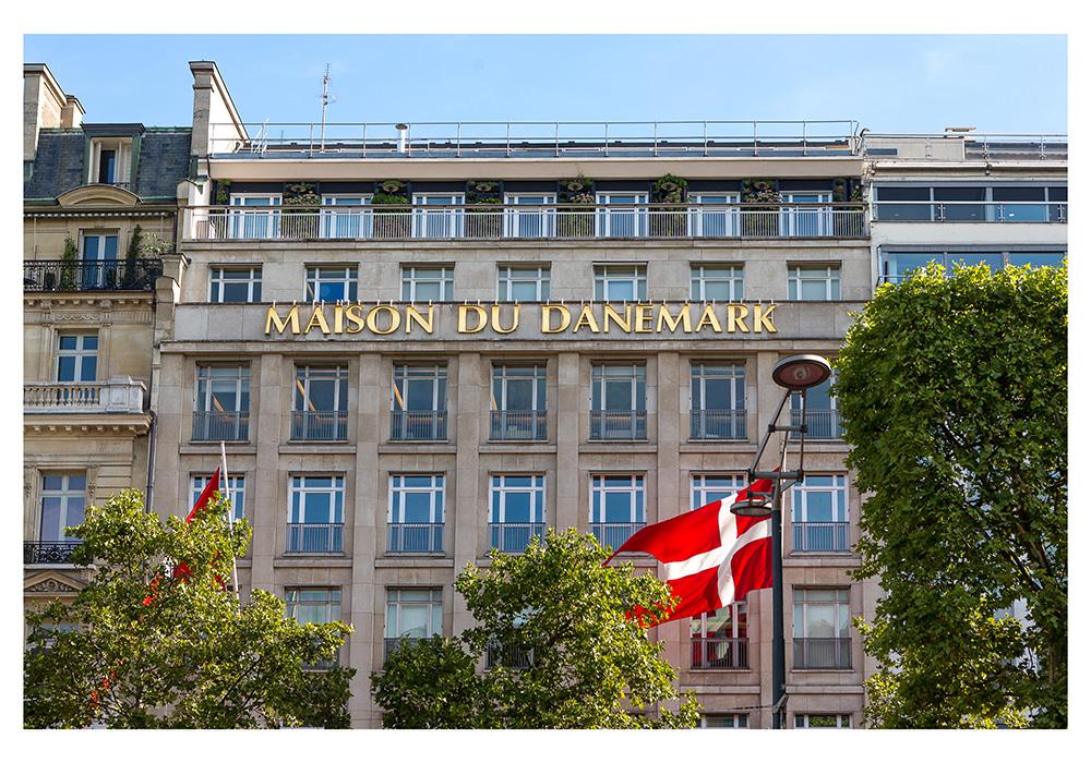 Facade du bâtiment de la Maison du Danemark sur les Champs Elysées àParis. © Sébastien Borda
