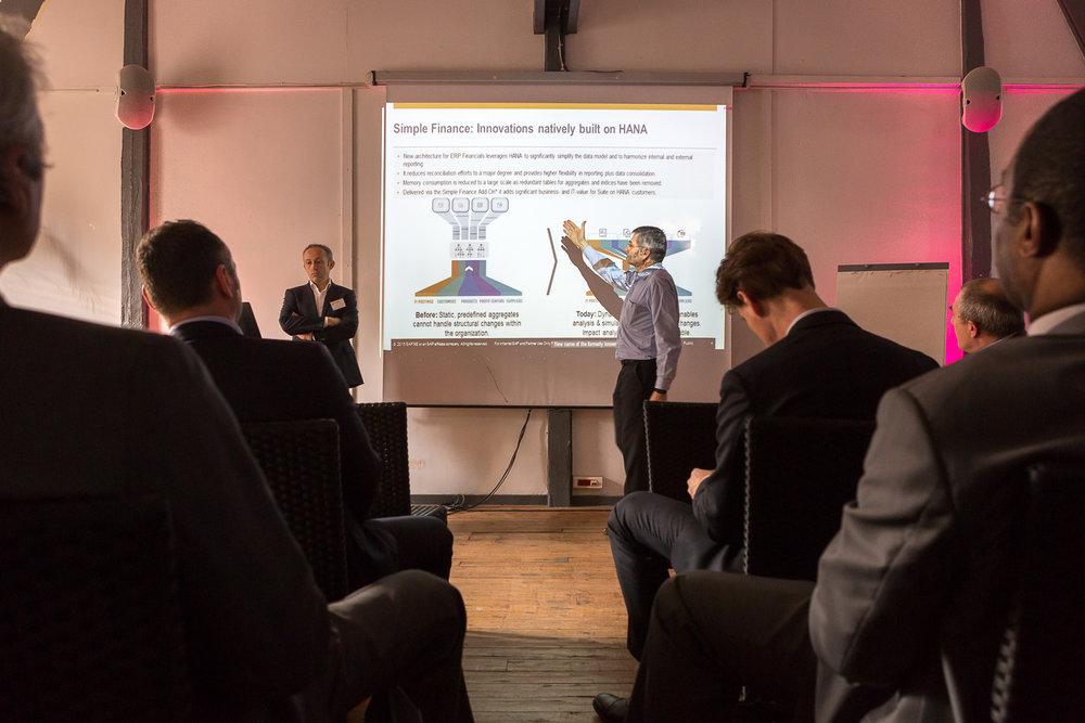 Atelier de formation pendant un séminaire d'entreprise. © Sébastien Borda | www.sebastienborda.com