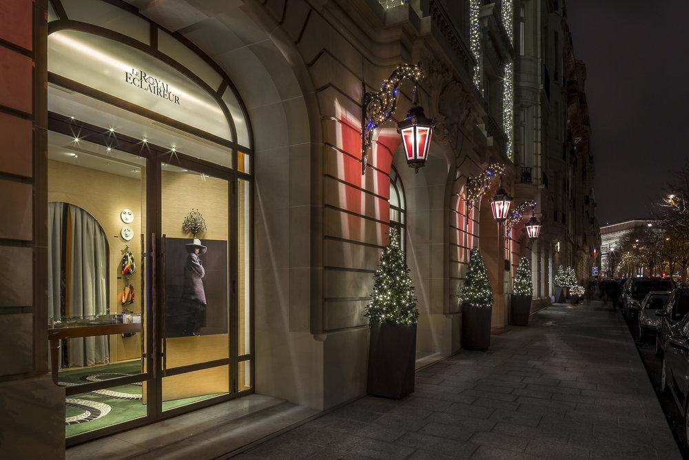 devanture d'une boutique de luxe à Paris. © Sébastien Borda