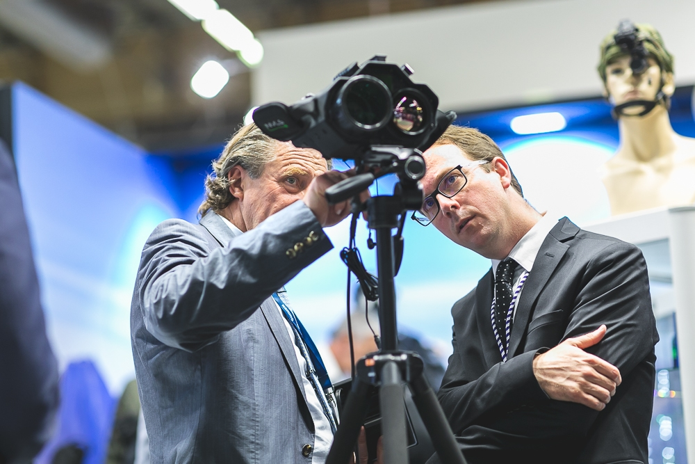 Présentation de produit au salon Eurosatory. 2018. ©Sébastien Borda   www.sebastienborda.com