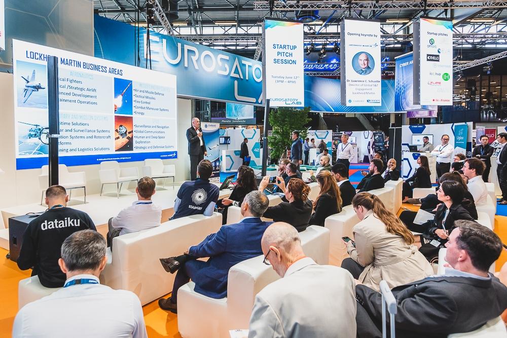 Conférence organisée pendant le salon professionnel Eurosatory. 2018. ©Sébastien Borda   www.sebastienborda.com