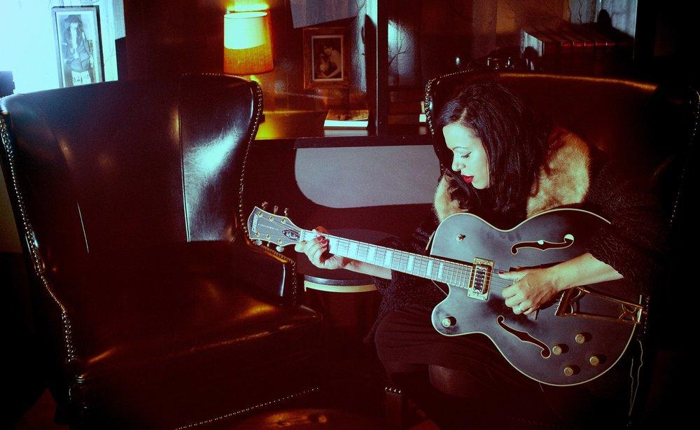 blake-elliott-guitar.jpg
