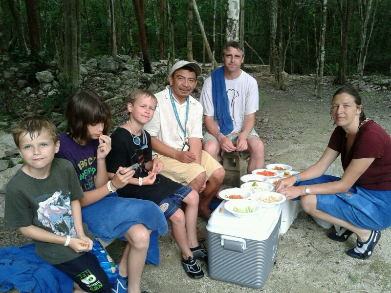 Picnic at the cenote