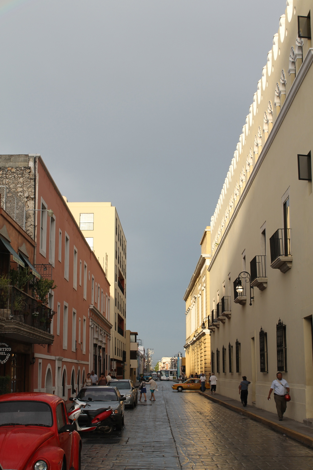 Merida's wet streets after an afternoon shower.