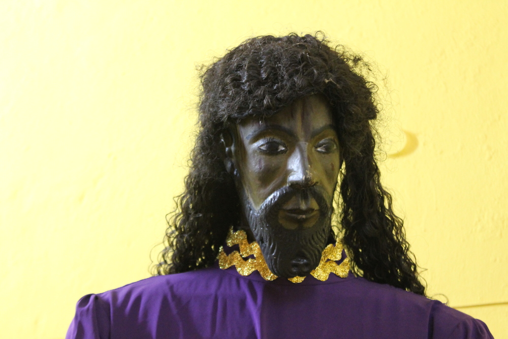 Another black Christ. Why all the fuss about Cristos Negros when I see these all over the place! This one looks like Rick James, no offense.