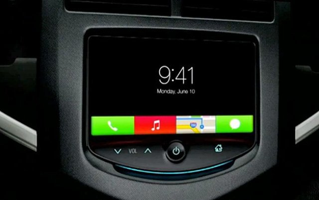 iOS In The Car expands iOS 7's icons into rectangles.