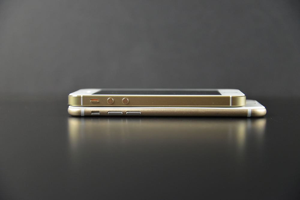 Apple-iPhone-6-Mockup-12.jpg