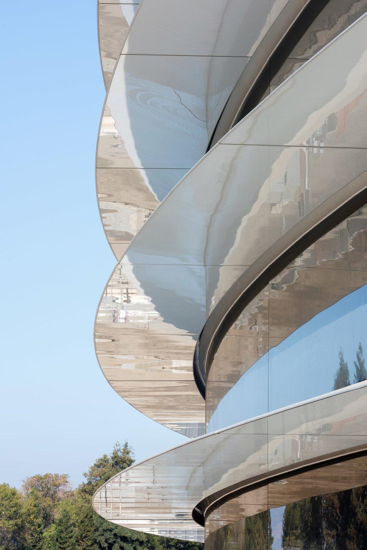 apple-park-photo-4-building-closeup-min.jpg