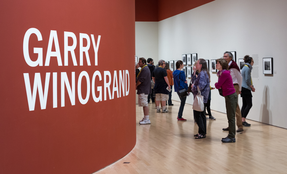 Garry_Winogrand_exhibition,_San_Francisco_Museum_of_Modern_Art,_2013.jpg