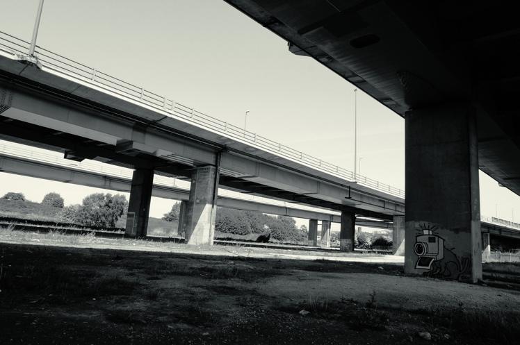 underthebridge2.jpg