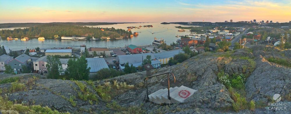 Pilot's Monument outlook over Yellowknife Bay, NWT