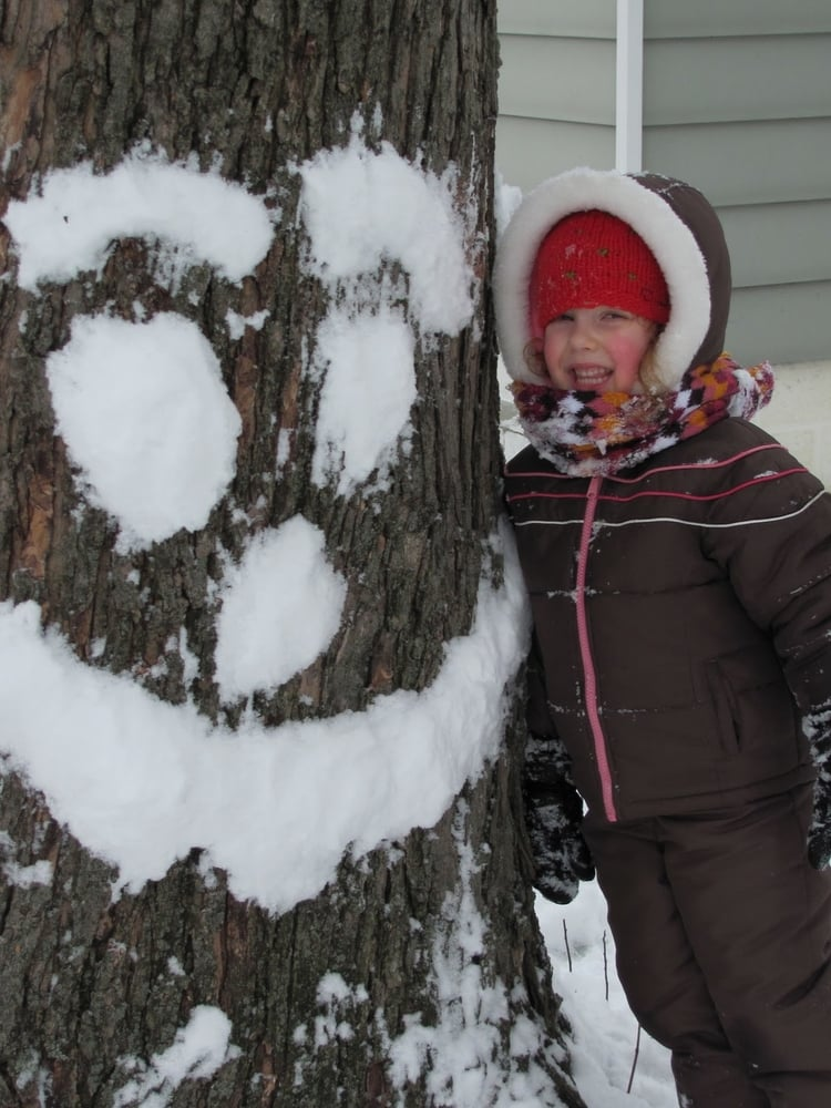 Making snow people is fun, but this new twist is sure to bring smiles. Pack  snow against a tree to create tree people. Try this at a park and leave it  up ...