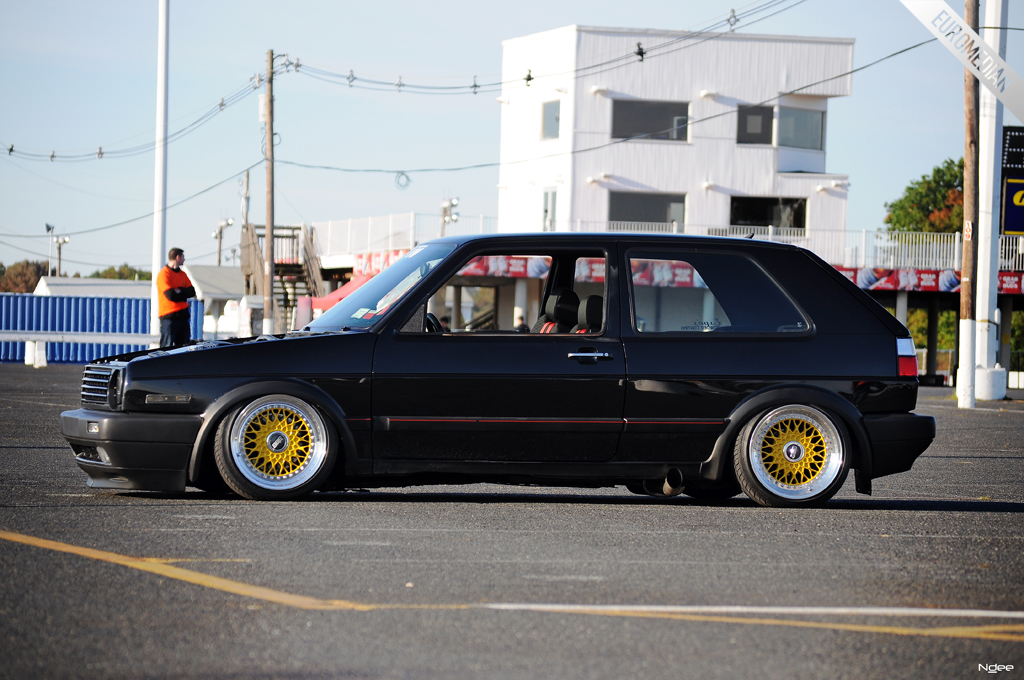 Victor's bagged VR6 GTi can hammer down while being hammered out.