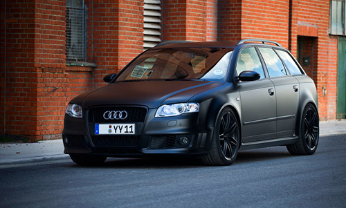 audi-inny :      fuckyeahthebetterlife :     Not a big fan of wagons, but damn..     Finally an untouched version of this RS4! I would love this wagon