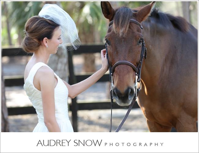 audreysnow-photography-naples-barn-wedding_1829.jpg