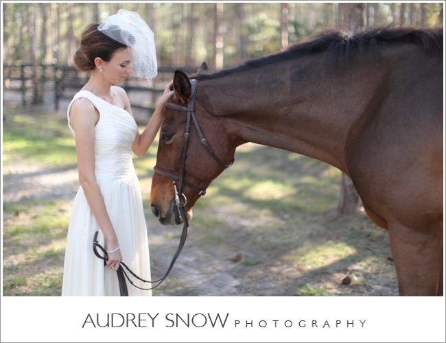 audreysnow-photography-naples-barn-wedding_1830.jpg