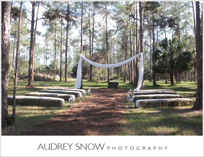 audreysnow-photography-naples-barn-wedding_1866.jpg