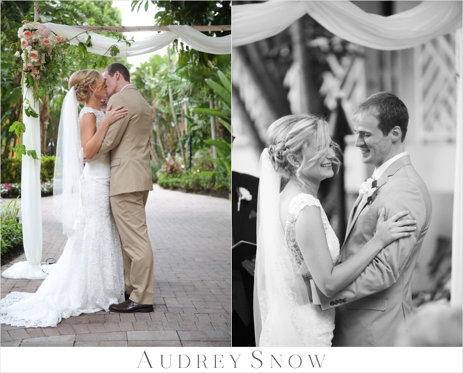 audreysnow-photography-hyatt-wedding_3712.jpg