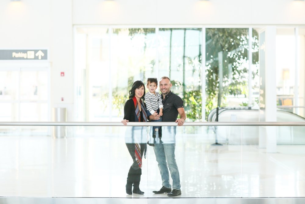 audreysnow-photography-ftmyers-rsw-family-portrait-at-the-airport_3987.jpg