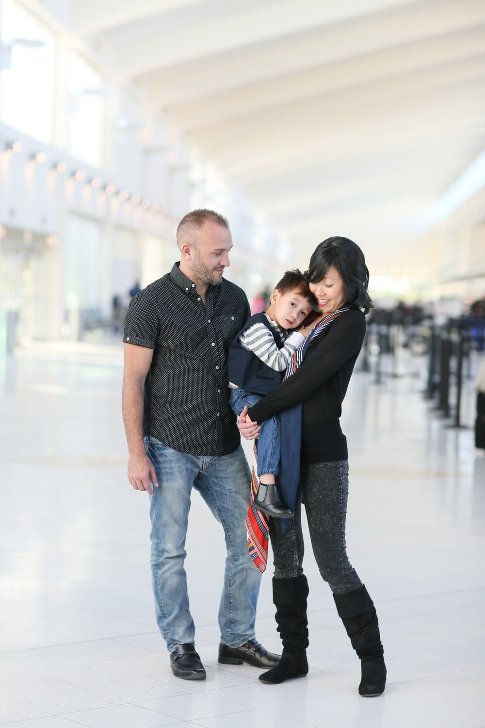 audreysnow-photography-ftmyers-rsw-family-portrait-at-the-airport_3991.jpg