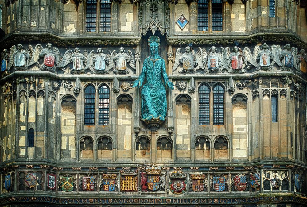 HDR_Canterbury_CathedralGate.jpg