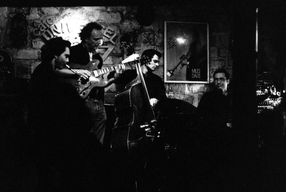 Café Universel (Paris-April 2010)   with Phil Hilfiker, Bernard Vidal & Tony Saba (photo Marc Ulrich)