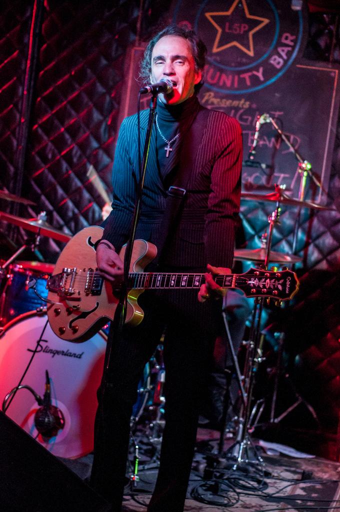 James Hall @ Star Bar - Photo by John McNicholas
