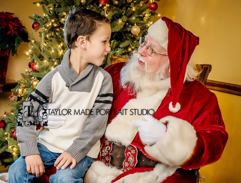 Santa_Portraits_Round_Rock_Photographer.jpg